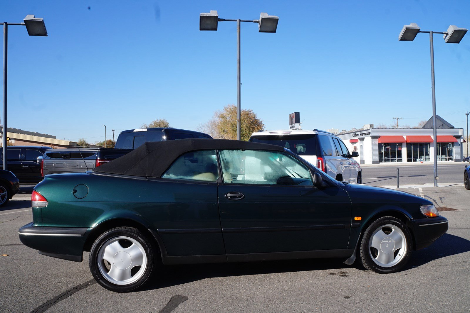 Pre-Owned 1996 Saab 900 SE Convertible